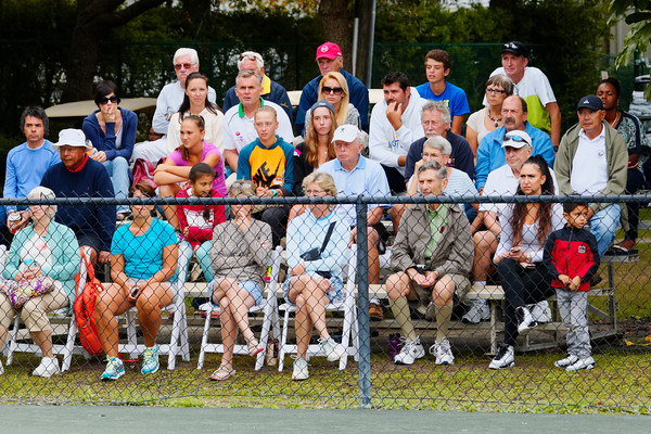 10. Public seeing great tennis - Eddie Herr at Bollettieri IMG Academy 2014_10