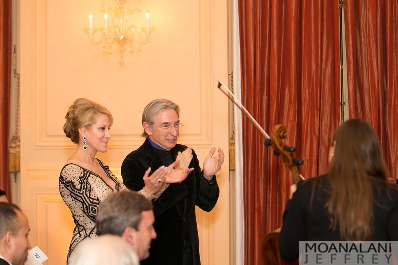 9557 Jillian Manus, Michael Tilson Thomas applaud Cellist Alisa Weilerstein