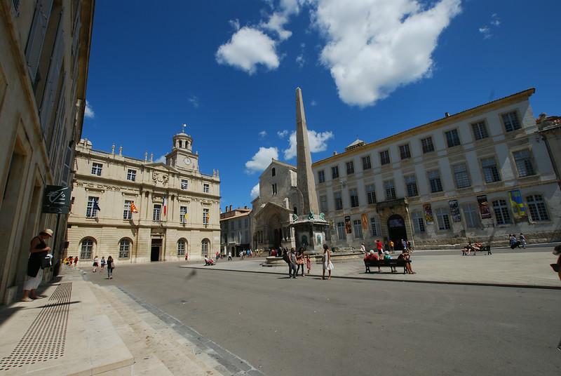 Arles - Place de la Republique