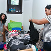 Anisha Kannambadi '18 from Princeton Junction, NJ, unpacks with help from her sister, Anchal.<br /> Photo Credit: Paola Nogueras