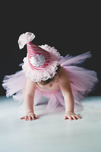 Elliana's 1 year pictures