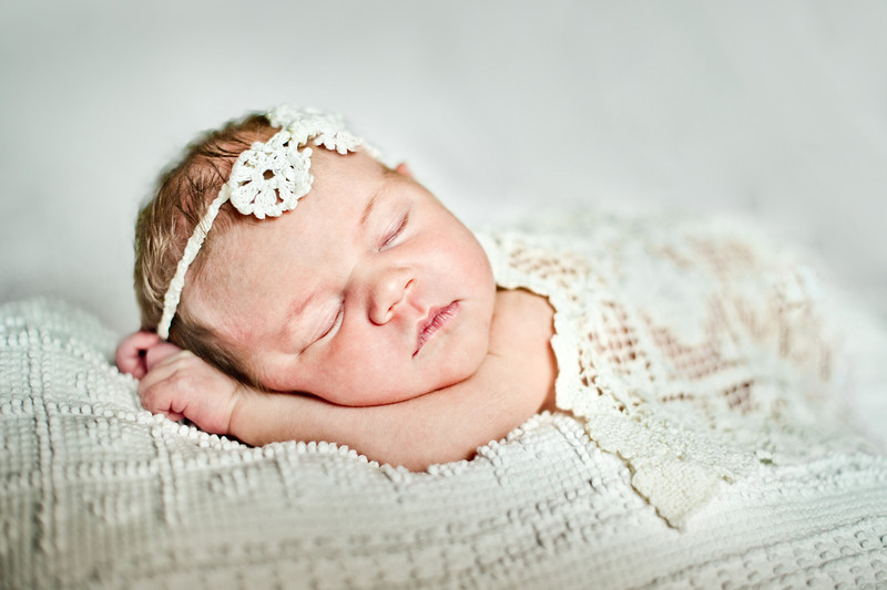 "Gwen :)<br /> <br /> visit  <a href=""http://www.facebook.com/daniellabeanphotography"">http://www.facebook.com/daniellabeanphotography</a> to see more little ones"