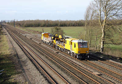 99 70 9131 001 8 Electrification Train Denchworth 08/02/14