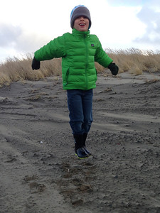 Winter beach jumping Connor