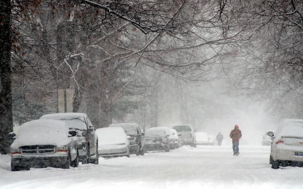 MET021414 snow