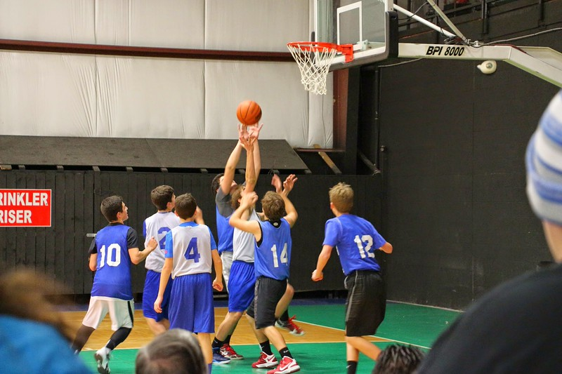 GOYA Holiday Hoops 2014 (9).jpg