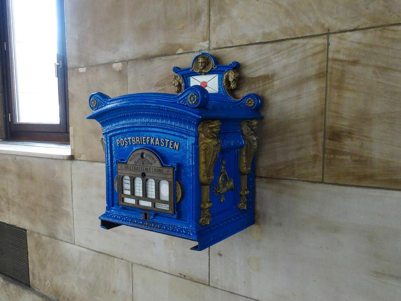 Amazing mailbox!