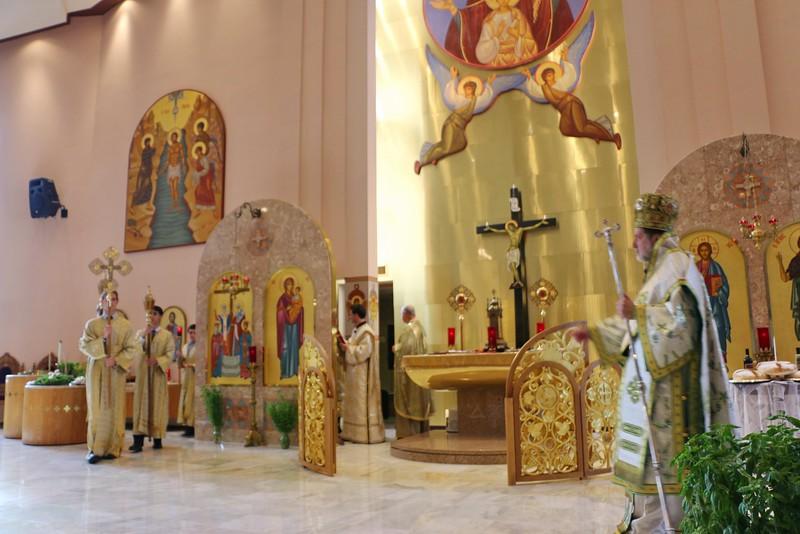 Holy Cross Liturgy 2014 (13).jpg
