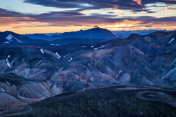 Landmannalauger sunset ... look at all that noise in the shadows from the crappy Canon 5D2!