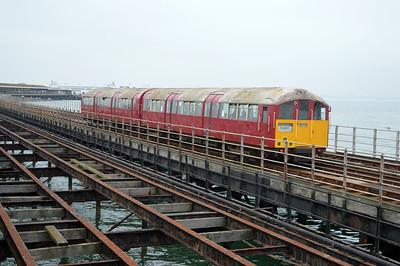 Class 483/0 483008 (128/228) approach Ryde Pier Head.