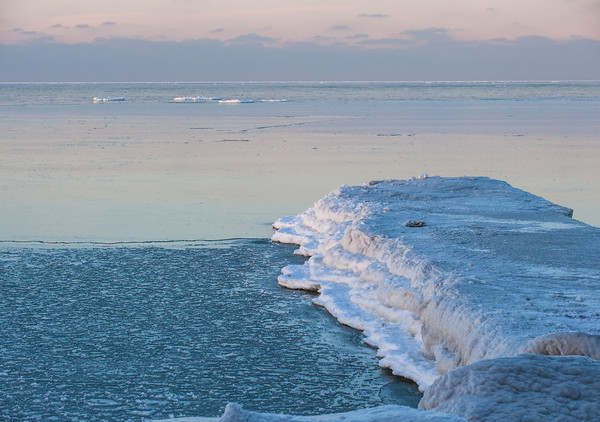 140109 3 A Ent JOED VIERA/STAFF PHOTOGRAPHER Wilson,NY-A view of Lake Ontario from the Great Lakes Seaway Trail in Wilson on Thursday.