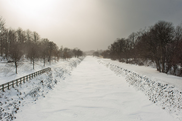140128 3A Ent JOED VIERA/STAFF PHOTOGRAPHER Lockport, NY- The Erie Canal is frozen over on Tuesday, January 28th.