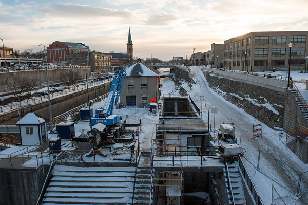 140124 Locks JOED VIERA/STAFF PHOTOGRAPHER Lockport,NY- Repairs of locks 69 and 70 are underway on Friday, January 24th.