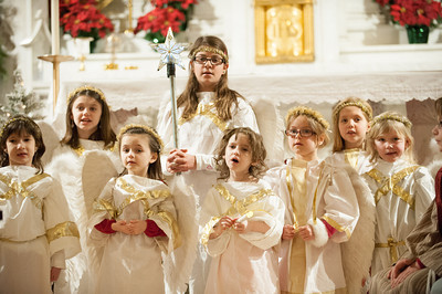 131224 Christmas Pageant JOED VIERA/STAFF PHOTOGRAPHER Lockport, NY-Children dressed as angels perform at this years All Saints Church Christmas Eve pageant on Tuesday Dec 24th, 2013.