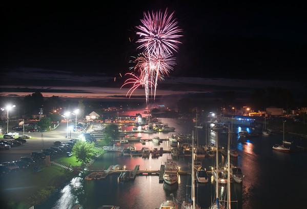 140703 JOED VIERA/STAFF PHOTOGRAPHER-Olcott, NY-Fireworks go off over the pier in Olcott July 3, 2014.