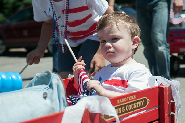 140704 JOED VIERA/STAFF PHOTOGRAPHER-Olcott, NY-Colin Sietmann (1) gets strolled in a radio flyer during Olcott's Independance Day parade  on July 4, 2014.