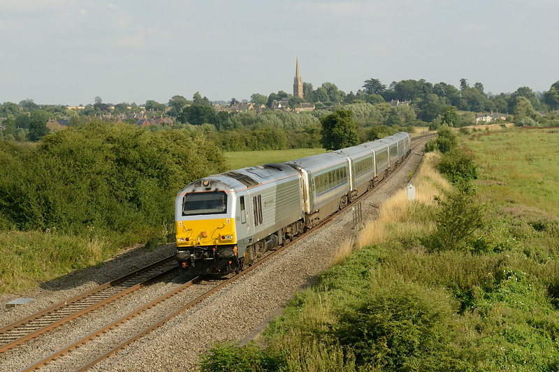 30 July 2014 :: 67013 at King's Sutton working 1R55 the 16:47 from  Marylebone to Birmingham Moor Street