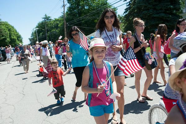 140704 JOED VIERA/STAFF PHOTOGRAPHER-Olcott, NY-Kids and their parents walk in  Olcott's Independance Day parade  on July 4, 2014.