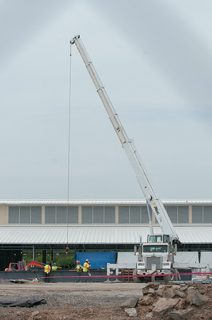140610 Yahoo JOED VIERA/STAFF PHOTOGRAPHER-Lockport, NY- A crane is in place as construction of Yahoo's Data centers continue. June 10, 2014