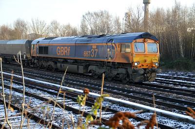 66737 1302/4n46 Doncaster Decoy-Tyne Dock passes Knottingley.