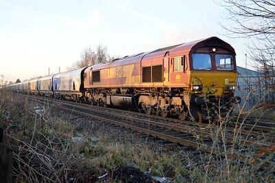 66014 1516/6H33 Immingham-Drax passes Womersley Road Crossing.