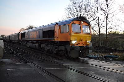 66715 1606/6c14 Immingham-Eggborough passes Stubbs Lane Crossing.