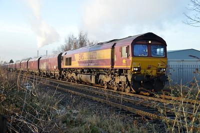 66132 1429/6c61 Immingham-Eggborough passes Womersley Road Crossing.