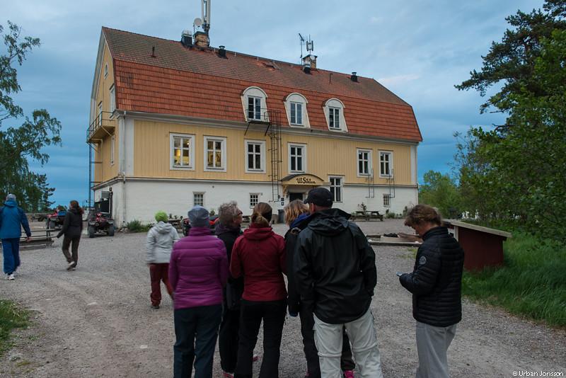 På öpromenad, Finnhamns vandrarhem