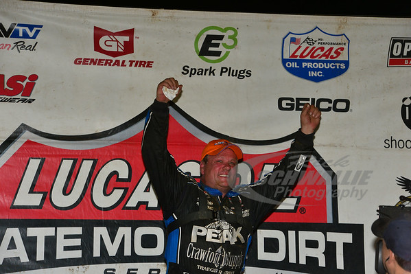 Don O'Neal in Victory Lane