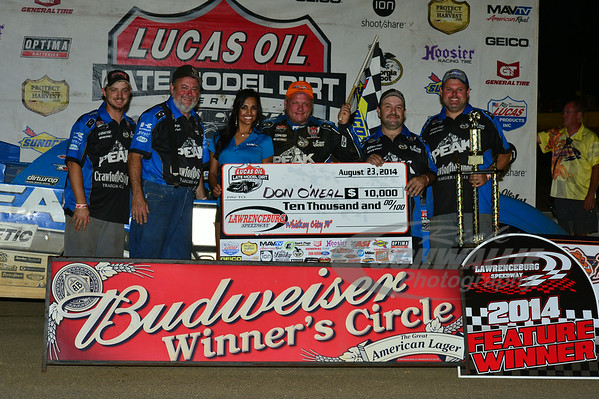 Don O'Neal and crew in Victory Lane