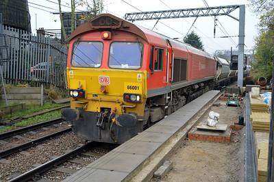 66001 1243/6L21 Acton-Dagenham passing Kensal Rise.