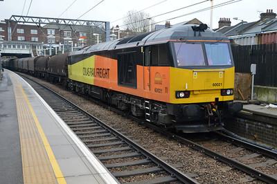 Colas 60021 1233/6v62 Tilbury-Llanwern passes Kensal Rise.