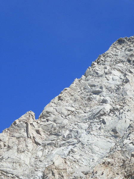 Details of the North Ridge of Lone Pine Peak from the Meysan trail