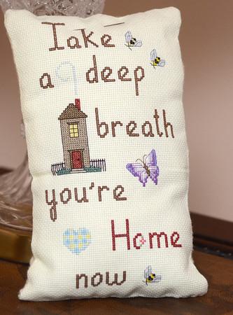 MET030514curry pillow