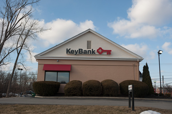 140326 Keybank JOED VIERA/STAFF PHOTOGRAPHER-Lockport, NY-This KeyBank branch on Transit Rd. will close. Mar.26, 2014.