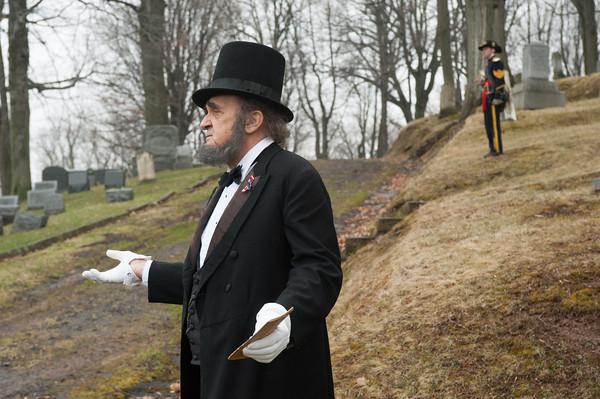 140426 MedinaReenactment VIERA/STAFF PHOTOGRAPHER-Medina, NY-An Abraham Lincoln reenactor delivers the Gettysburg Address at Boxwood Cemetery. April 26, 2014.