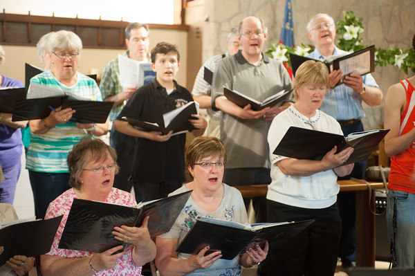 140513 Choral JOED VIERA/STAFF PHOTOGRAPHER-Lockport, NY-The Lockport Chorale practices at Christ Episcopal Church. May 12, 2014