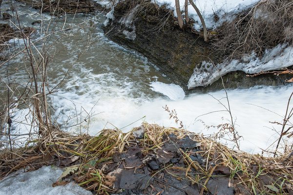 140404 RAVINE JOED VIERA/STAFF PHOTOGRAPHER-Royalton, NY- Waterfall April 3.