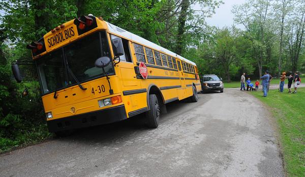 MET051314 schoolbus