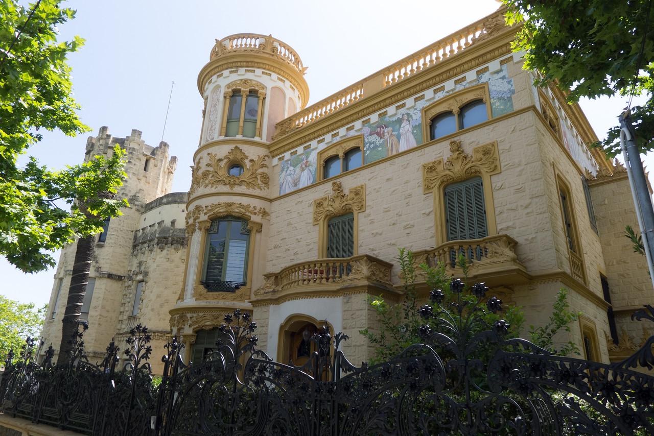 Mansion along Avenida Tibidabo