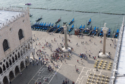 The southern arm of the Piazza (called the Piazzetta) between the Biblioteca and the Palazzo Ducale,where it opens onto the Canale di San Marco, is marked by two large granite columns carrying symbols of the two patron saints of Venice, Saint Theodore and St Mark. The columns date from 1268 when they were closer to the water and formed the gateway to the city. Terrible to know: this gateway was also the site of many executions over time, including the burning of countless homosexuals.
