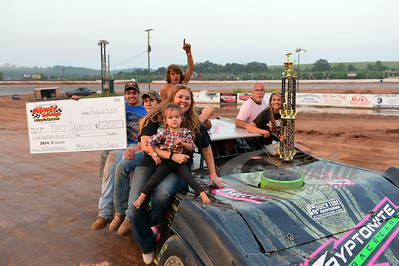 Tyler Carpenter and crew celebrate his victory