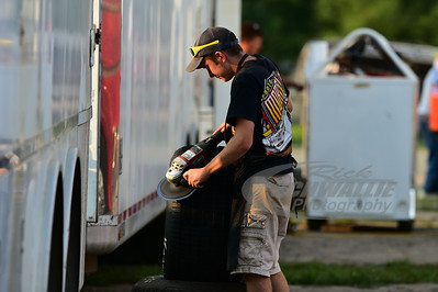 Wylie Moran prepares are tire for brother - Devin