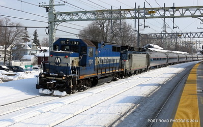 20140219-disabled-amtrak-train-milford-and-passengers-crammed-on-platform-post-road-photos-david-purcell-credit-013