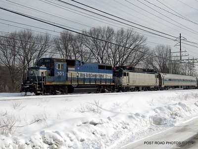 20140219-disabled-amtrak-train-milford-and-passengers-crammed-on-platform-post-road-photos-david-purcell-credit-006
