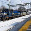 20140219-disabled-amtrak-train-milford-and-passengers-crammed-on-platform-post-road-photos-david-purcell-credit-010