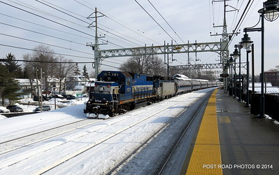 20140219-disabled-amtrak-train-milford-and-passengers-crammed-on-platform-post-road-photos-david-purcell-credit-012