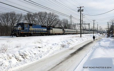 20140219-disabled-amtrak-train-milford-and-passengers-crammed-on-platform-post-road-photos-david-purcell-credit-008