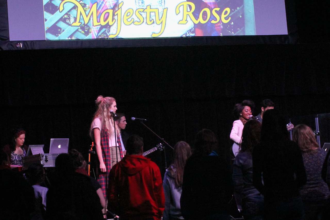 On Friday night, November 15th, Majesty Rose, top ten competitor on season 13 of American Idol, visited Gardner-Webb University to give a concert to support Justice Ministries in Charlotte.