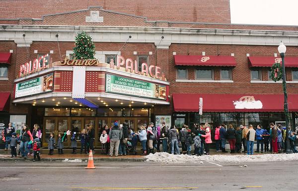JOED VIERA/STAFF PHOTOGRAPHER-Lockport, NY-Families line up to meet Santa at the Palace Theater. Saturday, November, 29, 2014.g